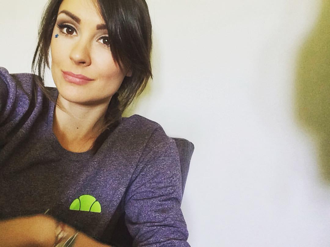 Dragana Mićalović u naručju ATRAKTIVNOG FRAJERA