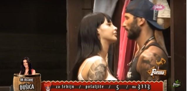 Anđela Vestica razemenjivala poljubce sa Nikolom Lakićem