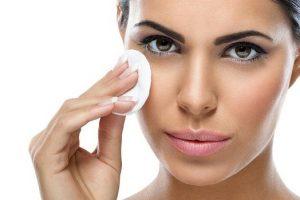 5 saveta dermatologa za skidanje šminke!