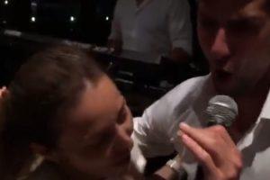 ĐOKOVIĆ ZAPEVAO NARODNJAK ŽENI NA UVCE (VIDEO)