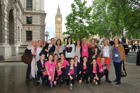 Srpske balerine nastupale pred britanskom kraljicom