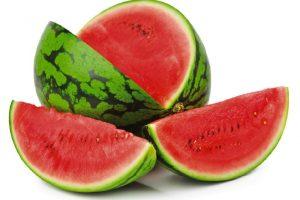 Hladite lubenicu u FRIŽIDERU? Niste ni svesni koliku GREŠKU pravite! Na OVOJ temperaturi je NAJZDRAVIJA
