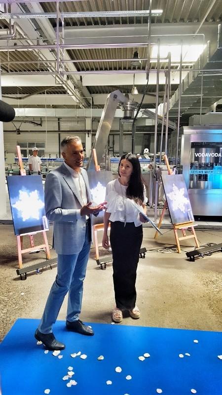 VODA VODA predstavila novu redizajniranu staklenu bocu