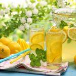 Kako se osvežiti na zdrav način + recept sa sjajnu limunadu!