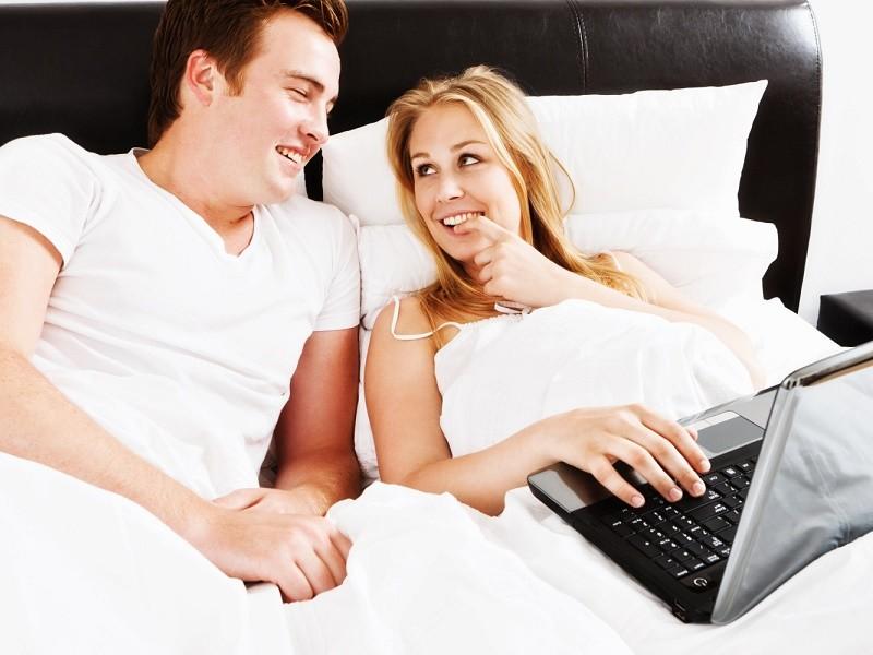 Bračni parovi koji vole pornografiju - duplo veća šansa za razvod