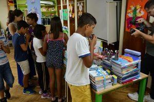 Imlek poklonio udžbenika osnovcima iz Zvečanske
