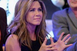 """Jennifer Aniston pronašla zaboravljenu """"siću"""" u novčaniku! BAHATO!"""