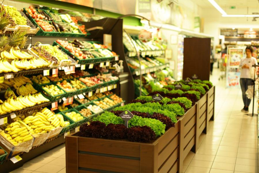 PRAVO IZ BAŠTE U VAŠ TANJIR - IDEA- Prodavnica u kojoj kupci sami beru povrće