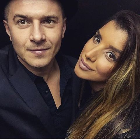 """Pevačica Jovana Pajić i frontmen """"Tropiko benda"""" Aleksandar Cvetković, juče su proslavili petu godišnjicu braka! (FOTO)"""