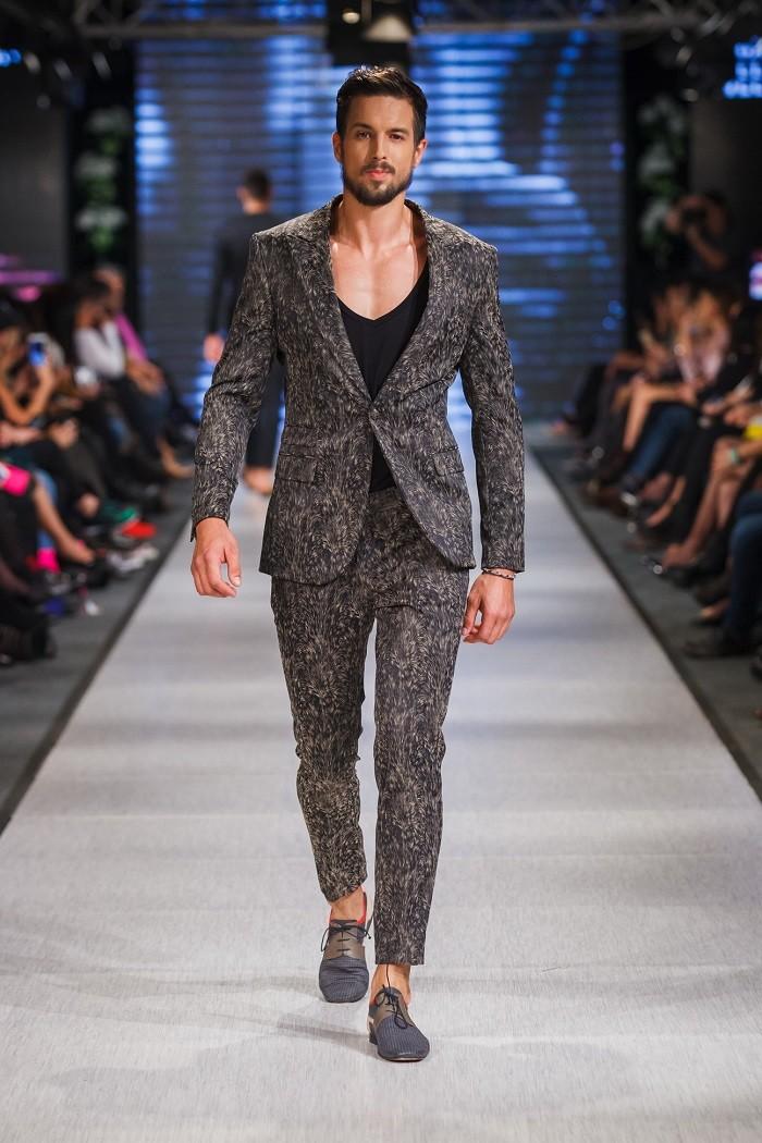 Boško Jakovljević, na veliko zadovoljstvo publike, predstavio svoju kolekciju na Srbija fashion week-u!