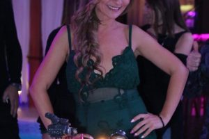 Ona živi svoju bajku! Zgodna voditeljka televizije Pink proslavila rođendan! (FOTO)