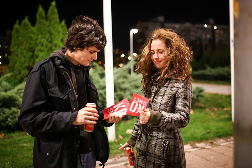 """Beograđanke na """"Dugmetu"""" širile poziv na ljubav: hajde da se volimo!"""