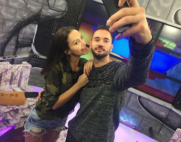 Ostavio devojku zbog romantike a sada vežba uz bivšu!  Aca Živanović vežba uz Tamaru Djurić!
