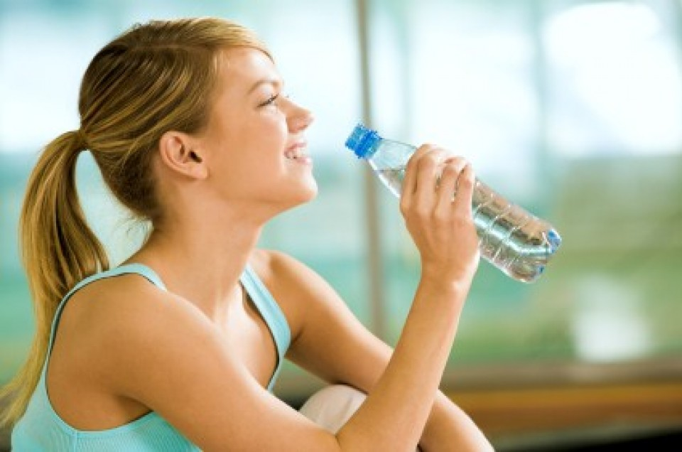NAJOPASNIJE PO ZDRAVLJE: Ukoliko ne PIJETE dovoljno VODE, rizikujete da ZAPADNETE u ovo STANJE!