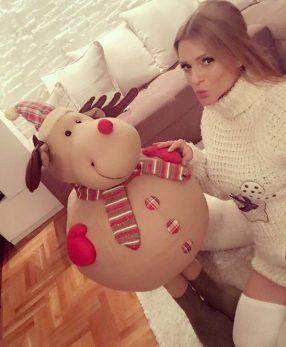 Nećete verovati koliko novca je Jelena Kostov dala za dečija kolica!
