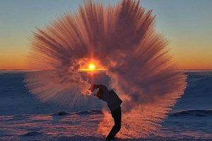 Evo šta se dešava kada u Sibiru ključalu vodu bacite u vazduh