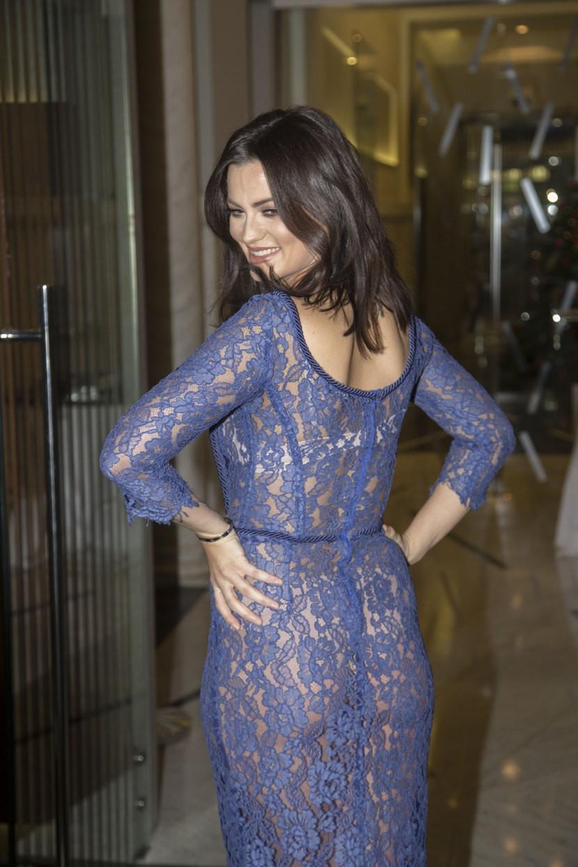 """Pevačica je promovisala svoj novi album pod nazivom """"Boginja"""" u providnoj haljini! (FOTO+VIDEO)"""