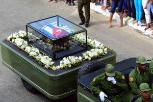 Urna s pepelom Kastra stigla u Santjago de Kubu , gde će sutra biti položena u zemlju