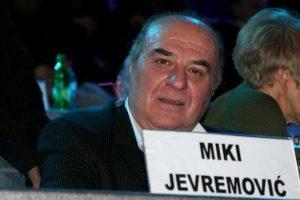 U kritičnom stanju: Miki Jevremović na aparatima!