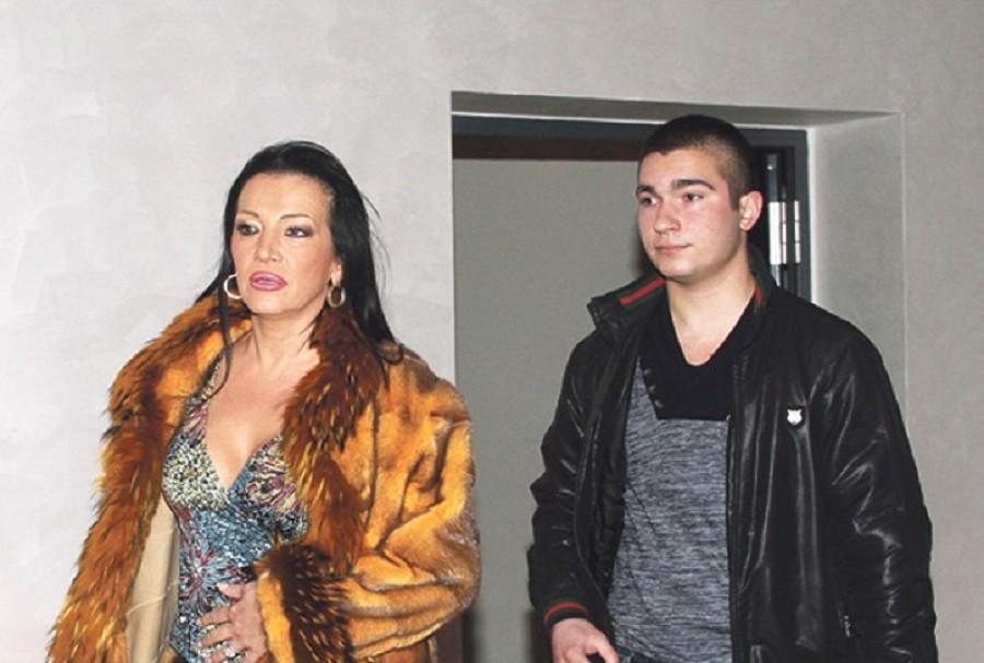 """Sve za novac: Goca Božinovska sa sinom ulazi u """"Parove""""!"""