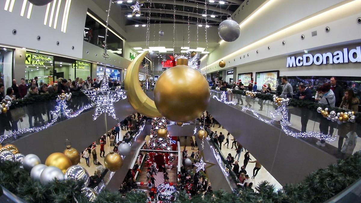 """Dečja predstava """"UŠĆE novogodišnjih ukrasa"""" 21. decembra u 18 h"""