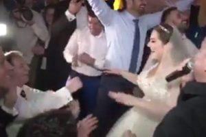 Na svadbi Dane Karić! Đani je atmosferu doveo do usijanja a zapevala je i Dana sa Cecom! (VIDEO)