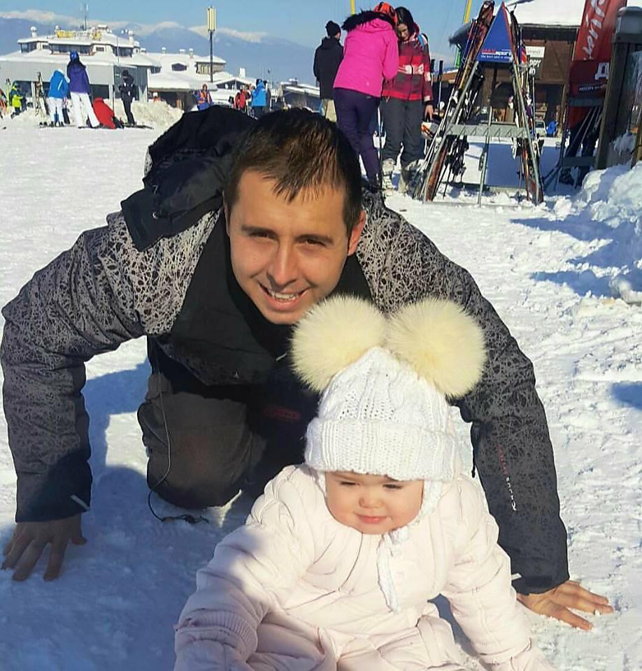 Nemanja Staletović prvi put sa kćerkicom na zimovanju!