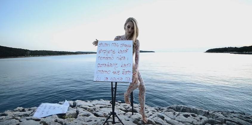 """Anezi spotom za svoju novu pesmu """"zbunila internet"""""""