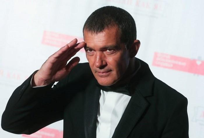 ANTONIO BANDERAS DOŽIVEO INFARKT! : Glumac hitno prebačen u BOLNICU!