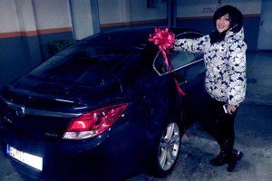A od ćerke ČETVOROTOČKAŠ: Divna Karleuša od Jelene dobila automobil Opel Insignia!