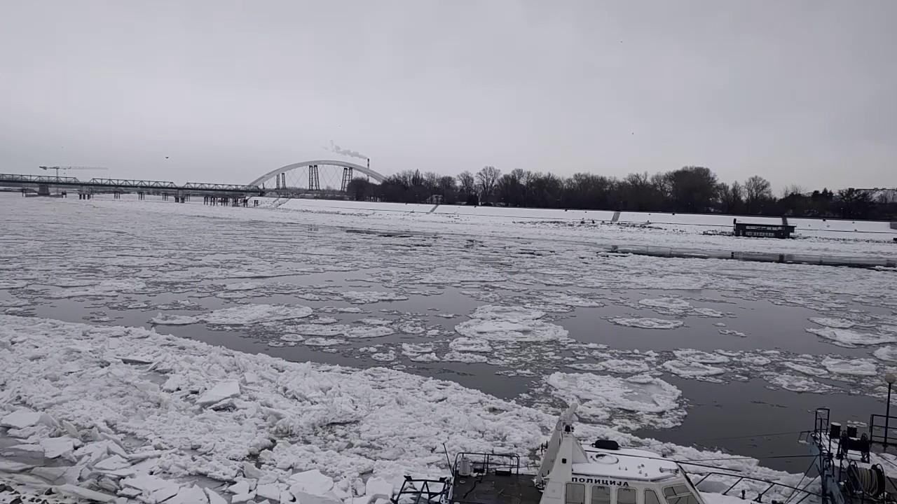 Šest ledolomaca se bori sa ledenim barijerama, EVO KADA nas očekuje bolja situacija na rekama