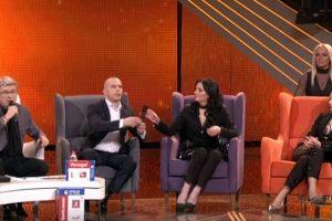 Topalko izjavio da nema para, a njegova ćerka se pohvalila cipelama od 66.000 dinara! (FOTO)