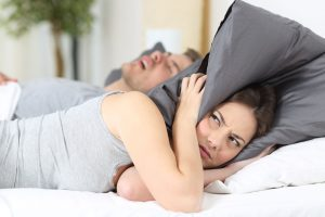 Nije naivno: Kako spavanje kraj osobe koja hrče šteti vašem zdravlju?