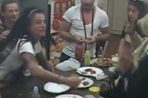 Krunićka gađala Anamariju tanjirima (VIDEO)