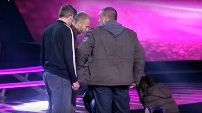 PINKOVE ZVEZDE: DRAMA! Takmičaru POZLILO - HITNO mu ukazana prva pomoć NA BINI! (VIDEO)