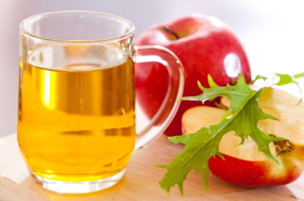 Jabukovo sirće i prokuvana voda: Prirodan eliksir koji leči mnoge bolesti!