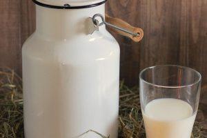 Mleko nikako ne smete držati u vratima frižidera! Evo i zašto!