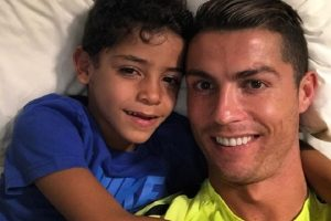 Cristiano Ronaldo uskoro postaje otac blizanaca