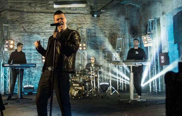 RASKID NA POMOLU: Haris Berković od Backstage benda nekoliko puta tražio ovu pesmu...