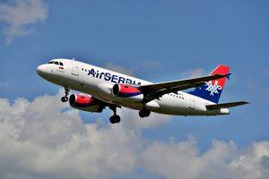 Air Serbia - komleptno ženska posada na letu do Pariza!