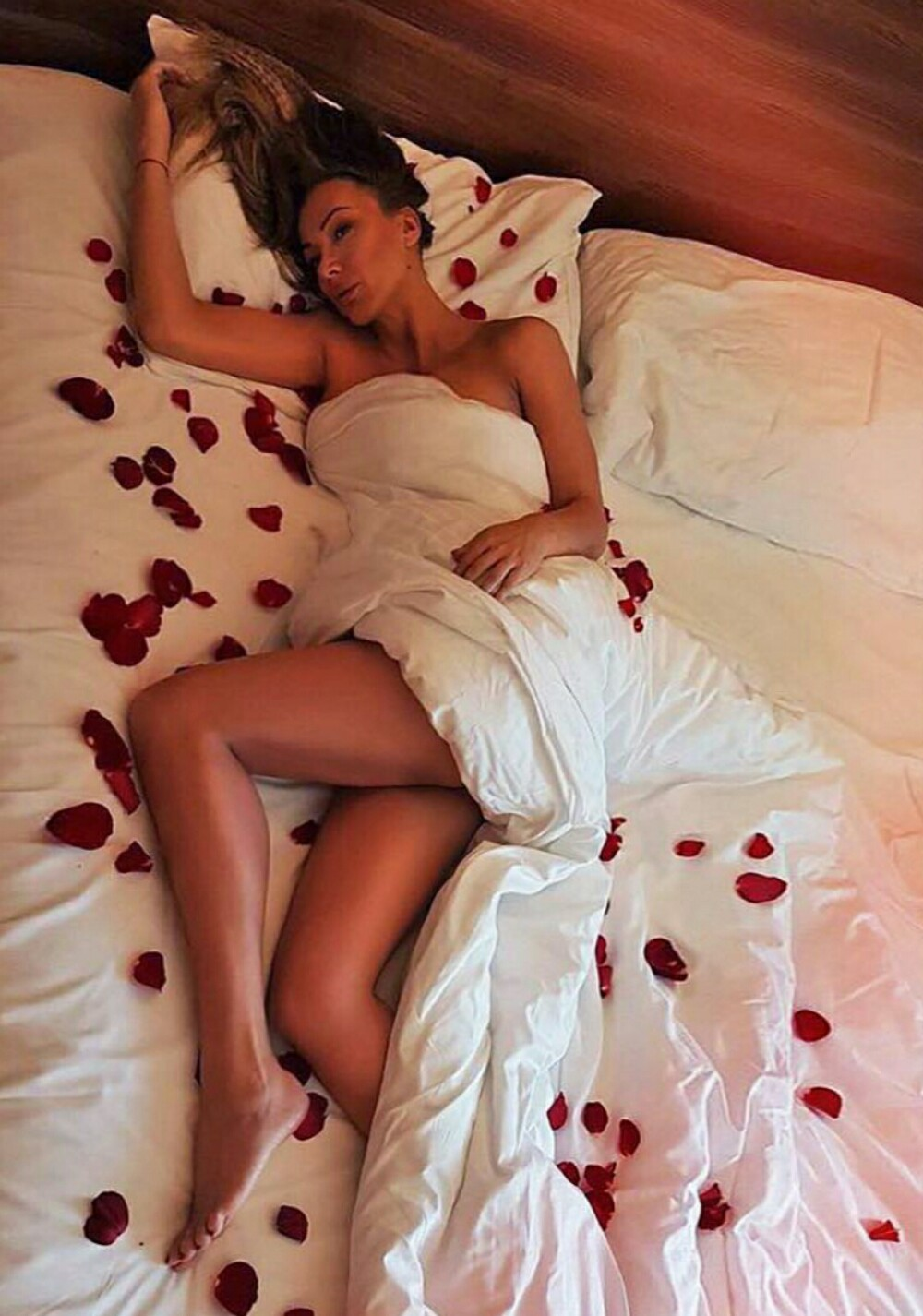 Goga Sekulić se pohvalila slikama iz bracne postelje (FOTO)