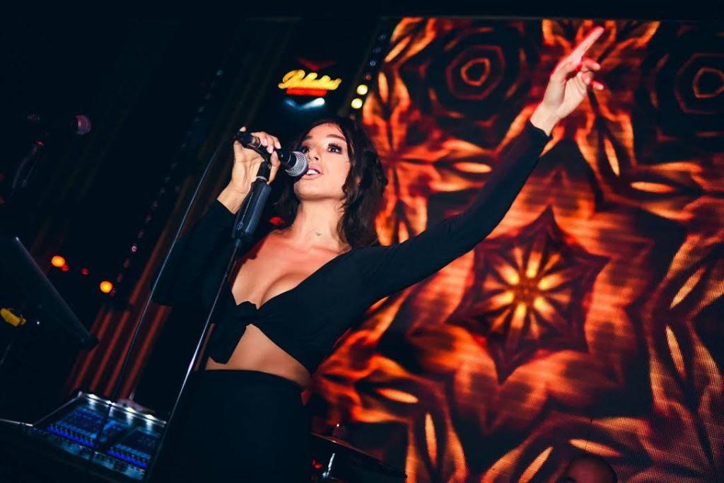 Anastasija Ražnatović proslavila svoj 19. rođendan.
