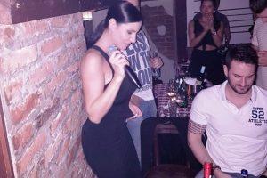 Svetska zvezda u srpskoj kafani! Mia pevala dragom na uvce, a digla BABAKARA na noge!