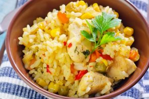 Recept dana: pirinač, povrće i piletina