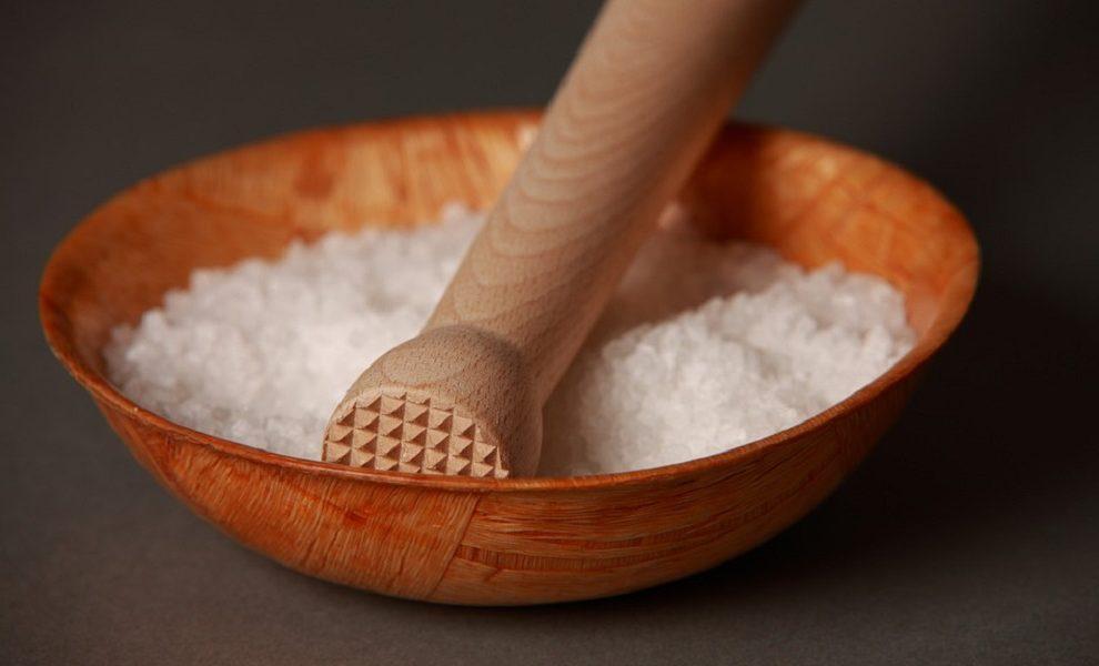 Znakovi koji ukazuju da jedete previše soli i time ozbiljno narušavate zdravlje!