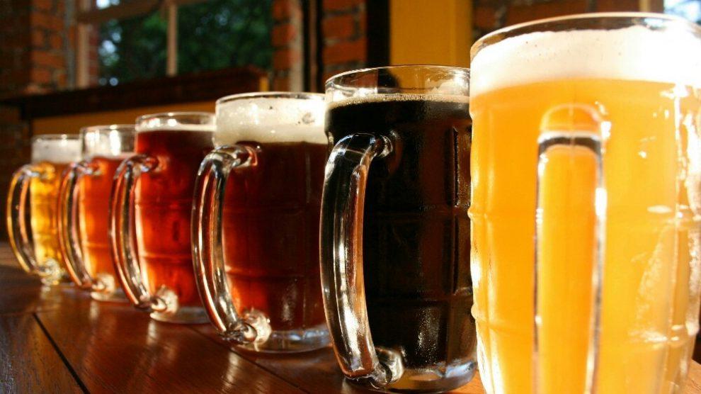 Pivo uklanja mrtve ćelije, hrani kosu, leči umorne noge!