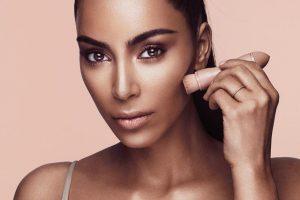 Kim Kardashian rasprodala kozmetičku liniju za par sati i zaradila 14.4 miliona dolara!