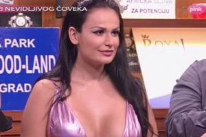 Gastoz se igrao sa grudima Indire Aradinovic u emisiji! (VIDEO)