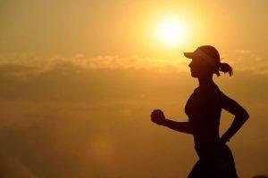Vežbanje tokom leta: Ne forsirajte se, nosite kapu i pazite na hidrataciju organizma