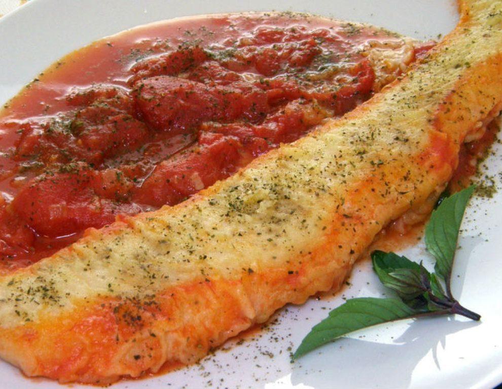 RECEPT DANA: Ukusna skuša u paradajz sosu